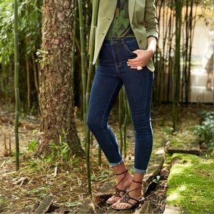 Tahari Classic Skinny Jeans Valence Wash